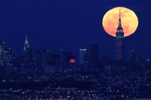 323758-supermoon NYC