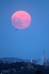 supermoon-2013-plane-Boston